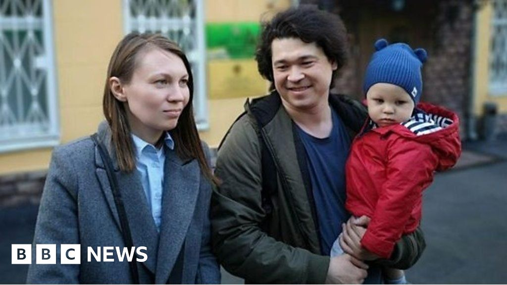 Russian couple may lose son for attending protest thumbnail