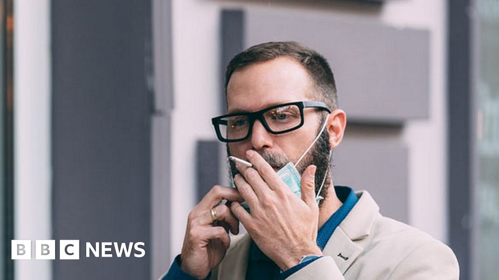 Smokers quit in record numbers amid Covid fears