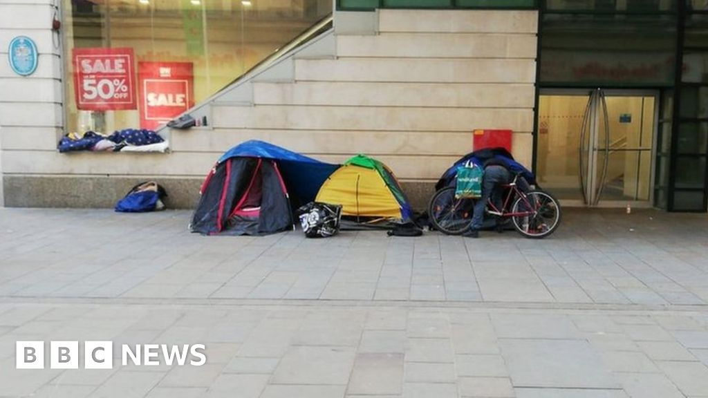 cardiff-homelessness-should-you-donate-tents-to-people