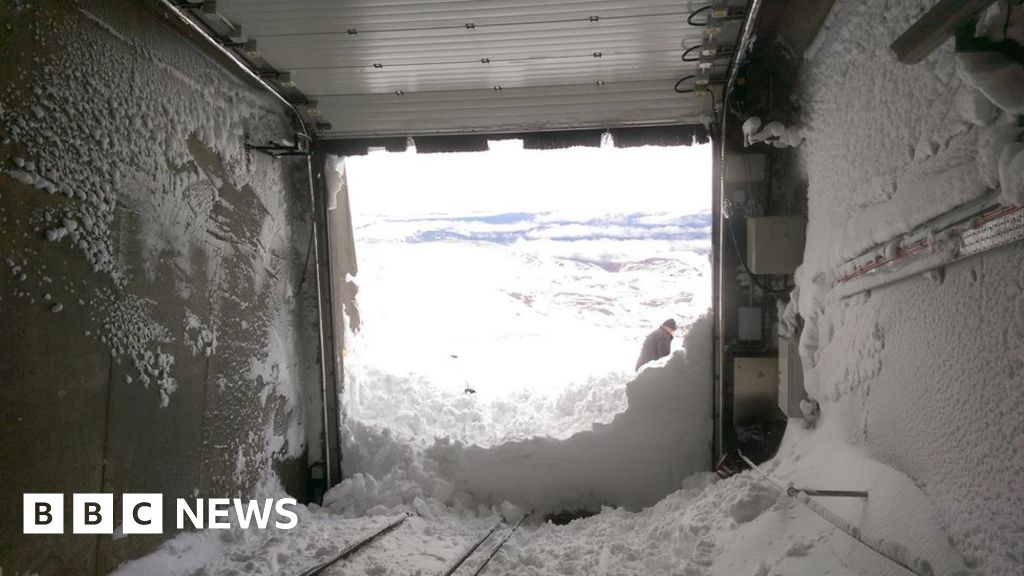 Clearing snow from tunnel on 11 March