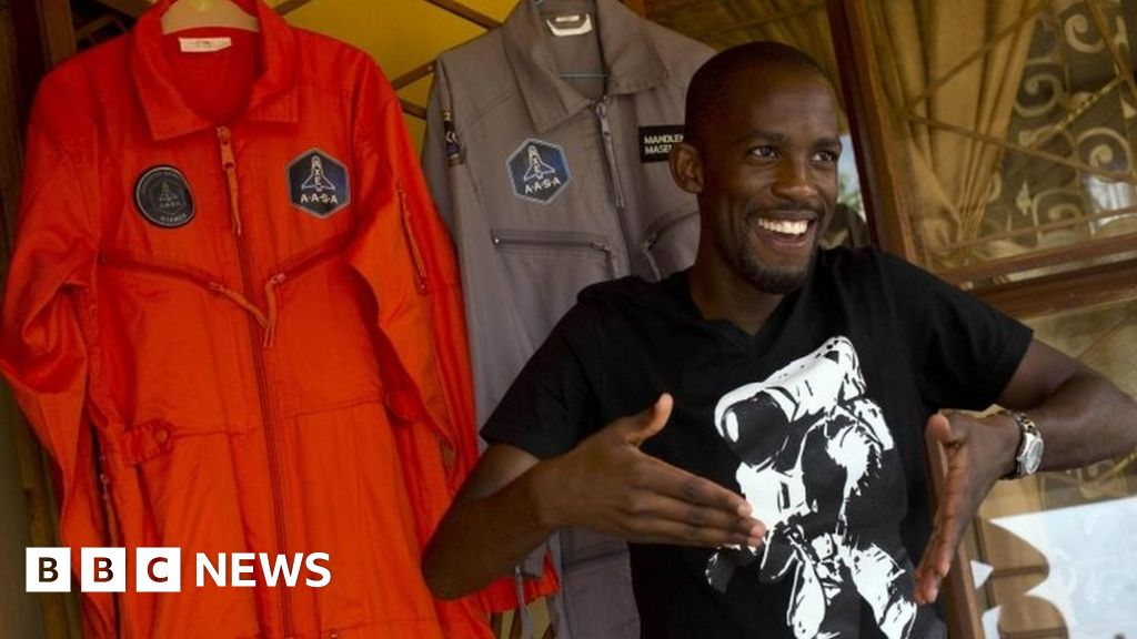 Would-be African astronaut dies in road crash thumbnail