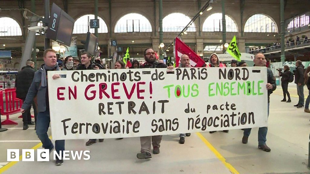 french striking railway workers protest at gare du nord bbc news. Black Bedroom Furniture Sets. Home Design Ideas