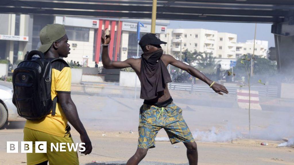 Guinea elections: Alpha Condé wins third term amid violent protests