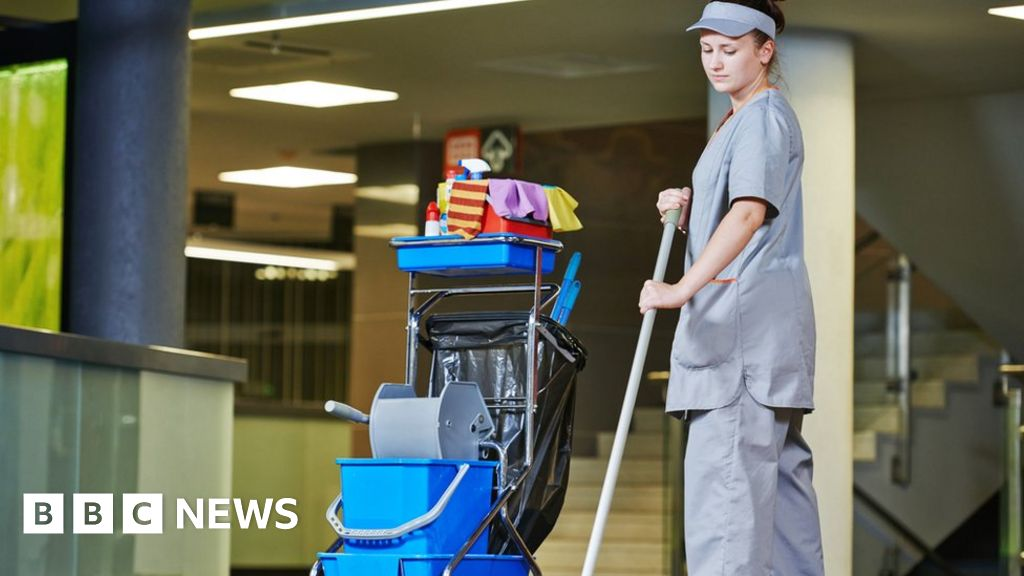 Premier League clubs  should pay living wage  to staff