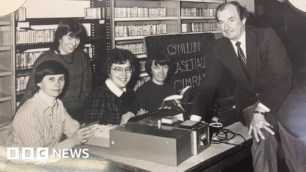 Carmarthen librarian launched audio books after going blind