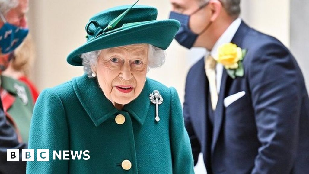 The Queen s busy October schedule ahead of night in hospital