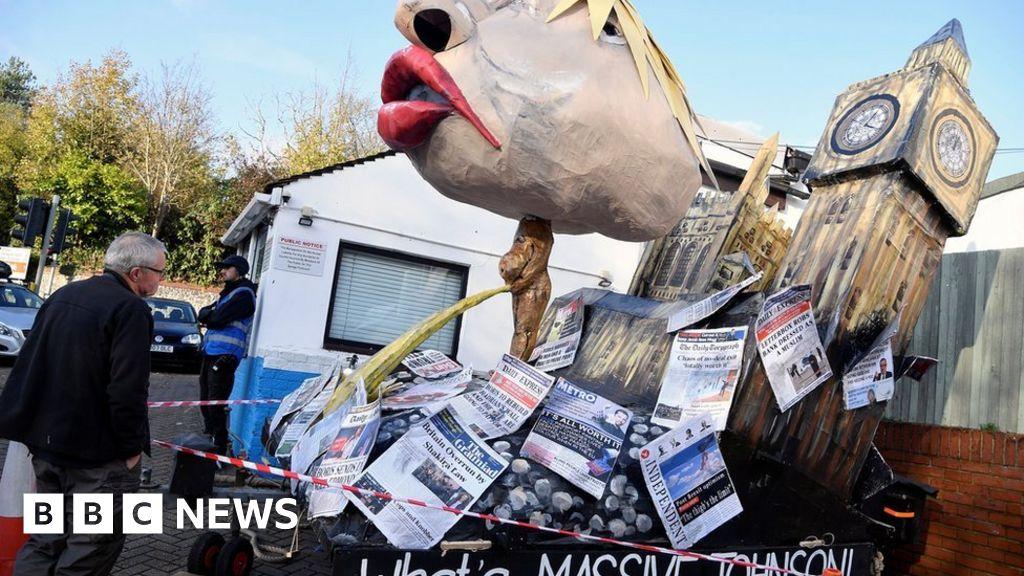 Lewes Bonfire Night effigies include a urinating Boris Johnson