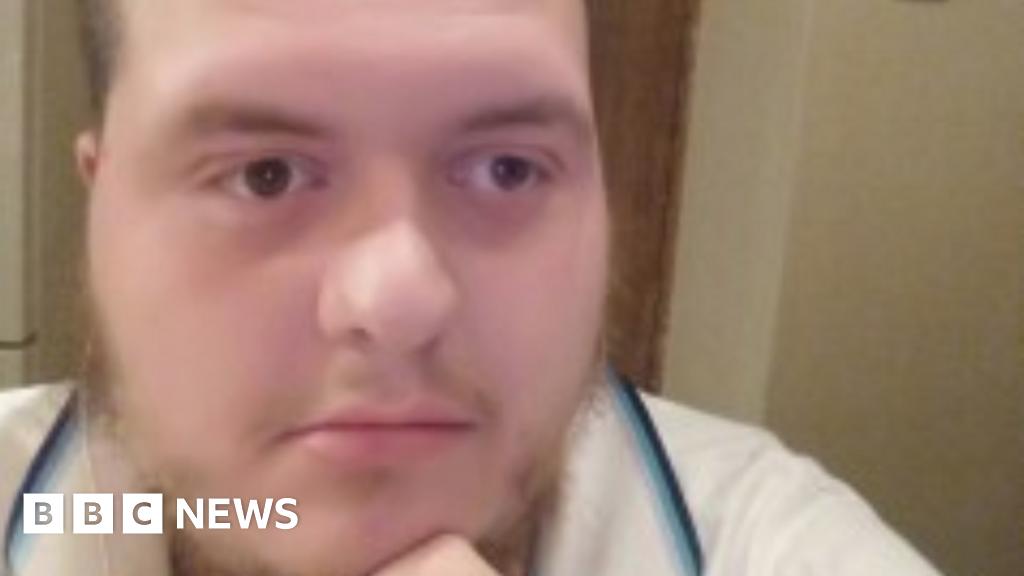 Muslim convert admits London terror plot