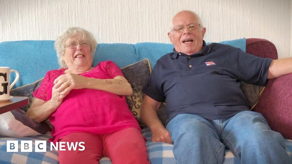 'Oldest' couple tie the knot at 80