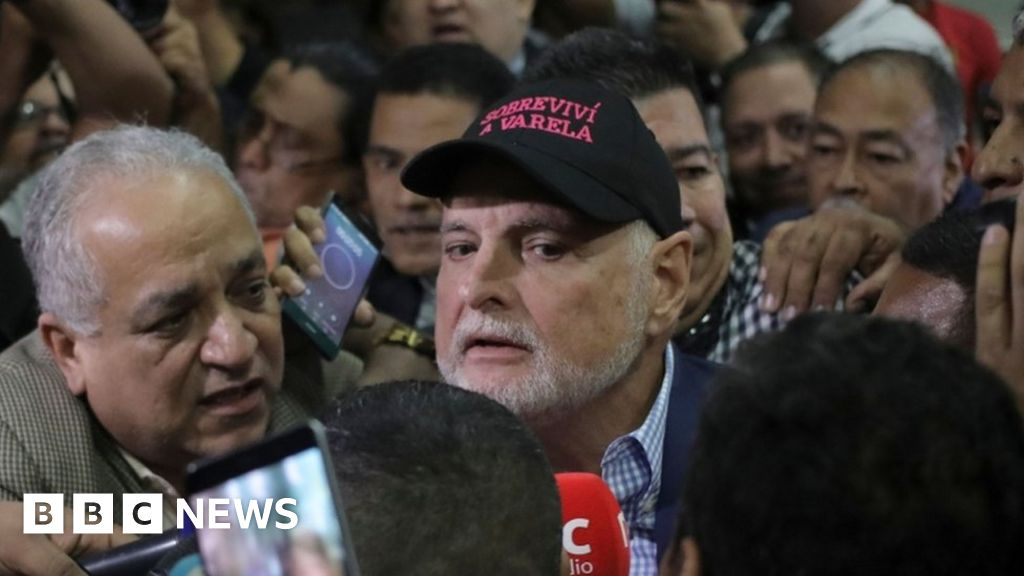 Former Panama leader cleared of corruption thumbnail