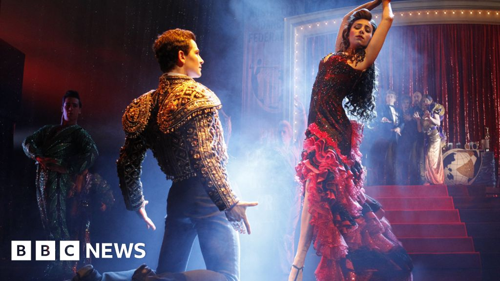 essay about strictly ballroom Strictly ballroom essay question: what does the composer of your text reveal about the concept of belonging you should answer on either 'romulus, my father' or 'strictly ballroom' depending on which you have studied.