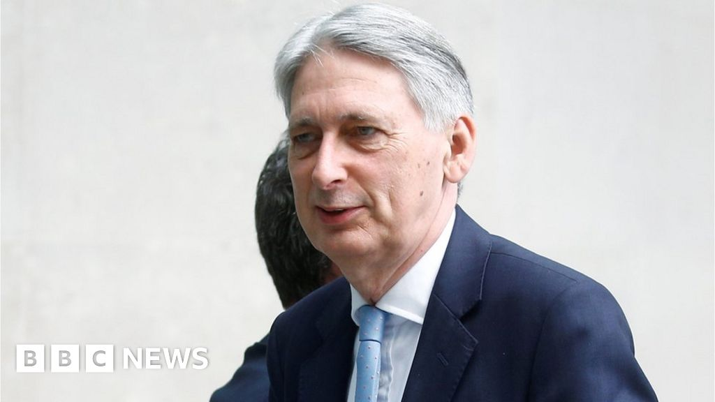 Hammond plans to quit if Johnson becomes PM