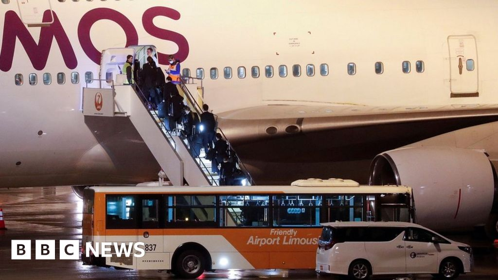 Coronavirus: Evacuation flight for Britons on Diamond Princess due to land