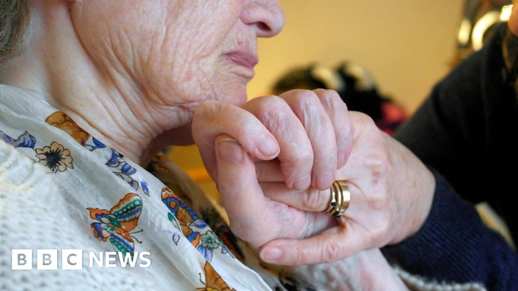 Surprise fall in US life expectancy
