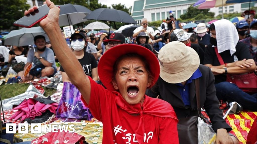 Thailand protests: Thousands gather for mass anti-government rally - bbc
