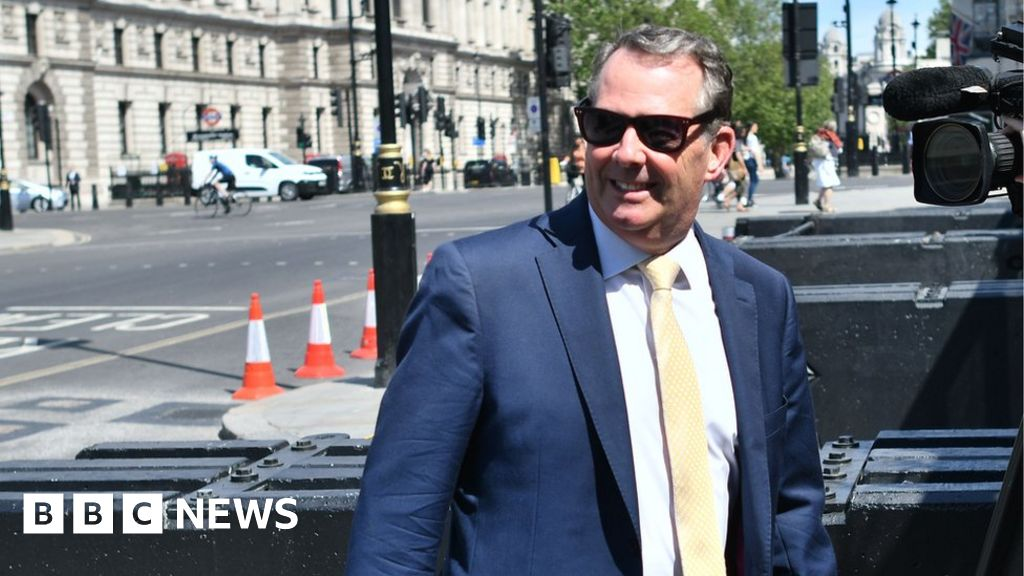 Brexit: UK set to nominate Liam Fox to lead World Trade Organization thumbnail