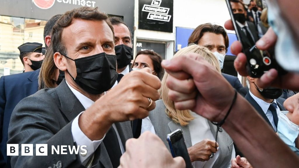 Macron slap: Four months for man who attacked French president – BBC News