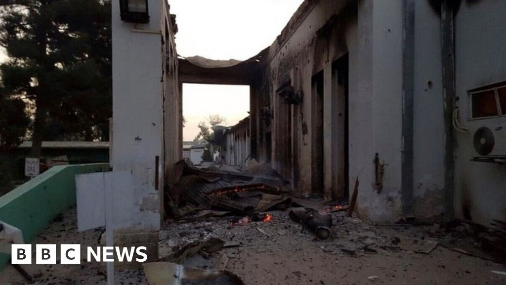 Kunduz bombing: US planes 'fired on MSF hospital staff' - BBC News