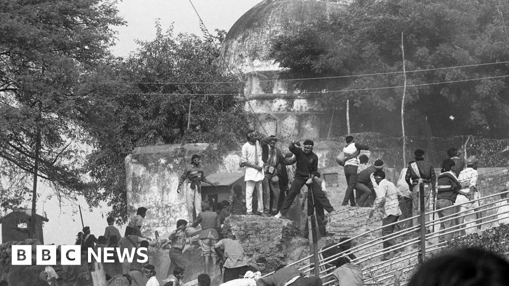 Babri mosque: The build-up to a demolition that shook India