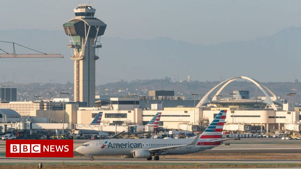 Inquiry into 'guy in jetpack' flying at LA airport thumbnail