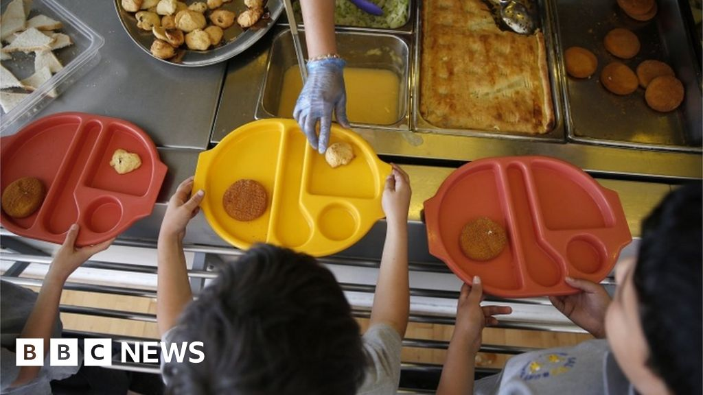 Coronavirus: Free school meals children to get food vouchers