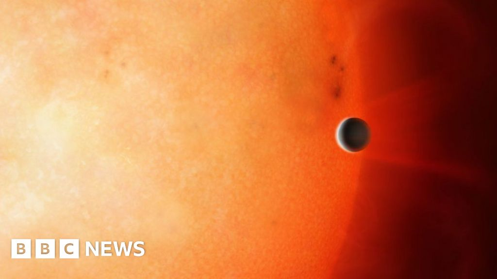 Core of a gas planet seen for the first time