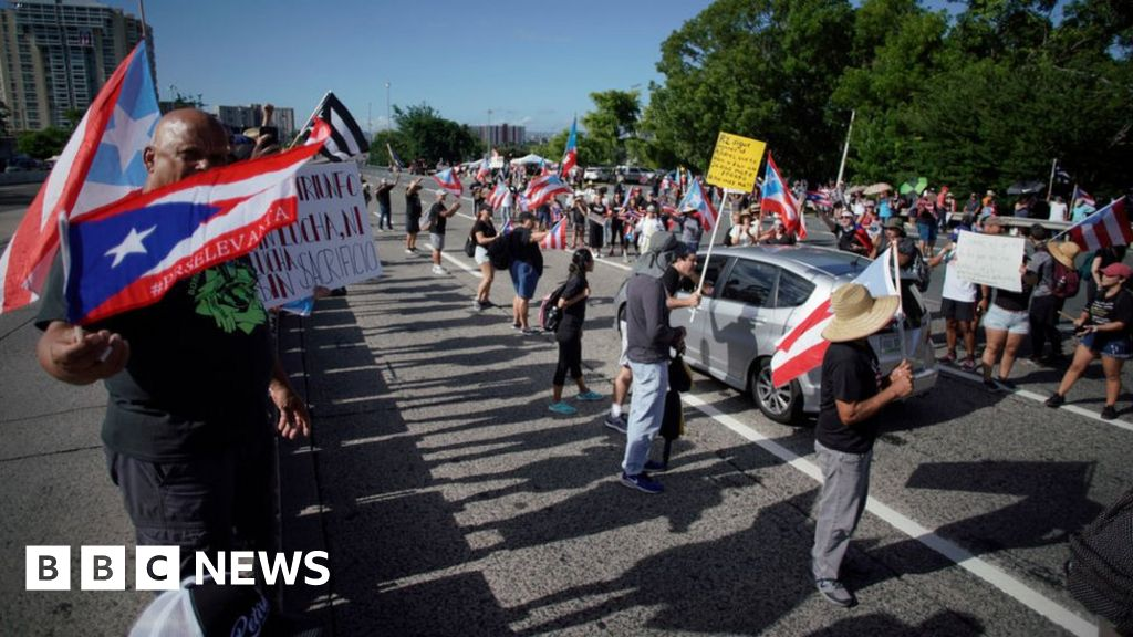Massive protests in Puerto Rico to oust governor