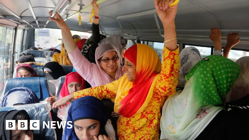 Why women love Kashmir's ladies-only buses - BBC News