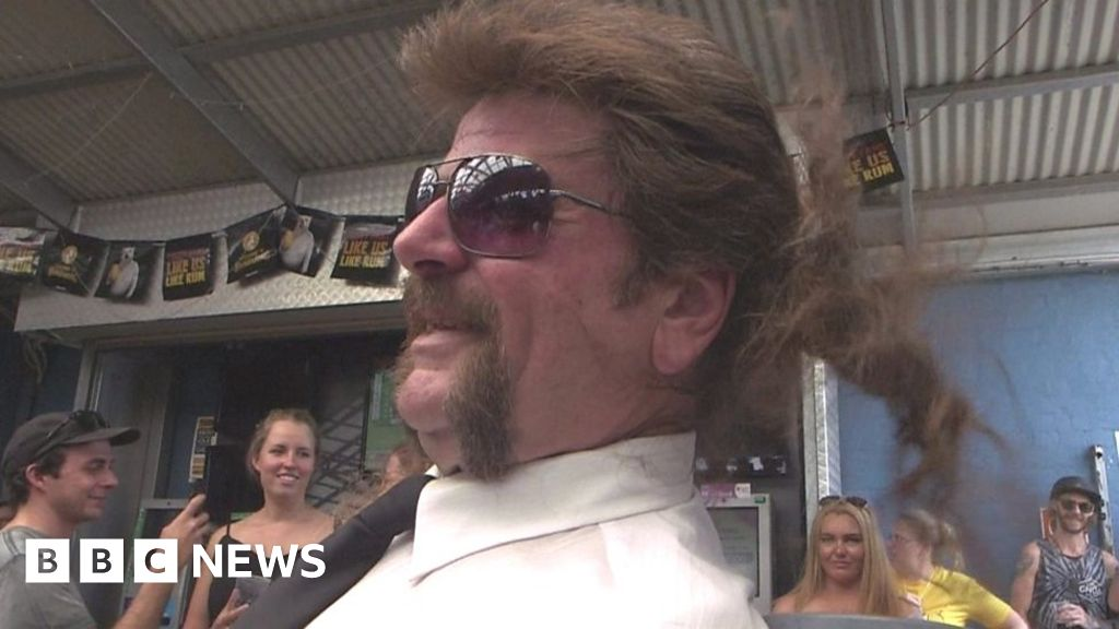 Hair to stay: Australians celebrate the mullet - BBC News