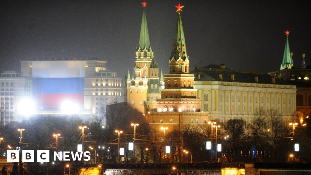 US expels Russia diplomats over 'attack'