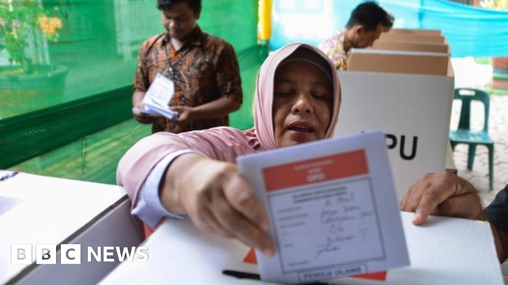 'Overwork' kills 270 Indonesia poll staff