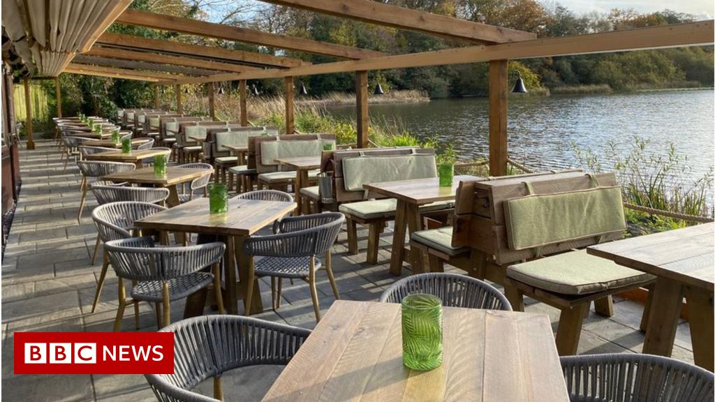 Pubs deluged with beer garden bookings