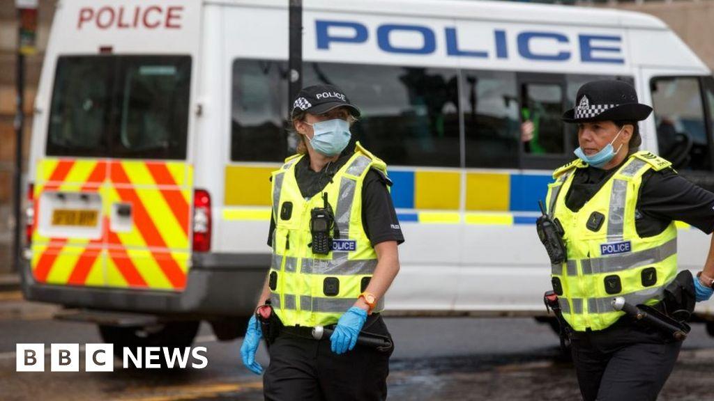 Police in Scotland break up hundreds of parties