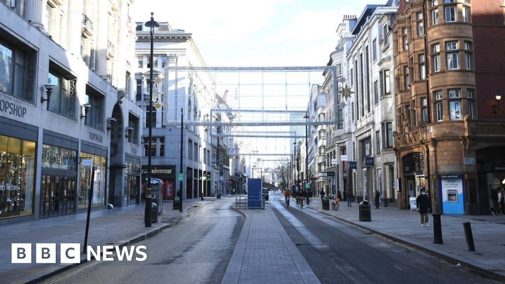 Covid: Cases rise as Christmas rules come into force thumbnail