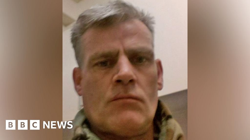 Stanwell Tesco stabbing:  Far-right  knifeman admits attack