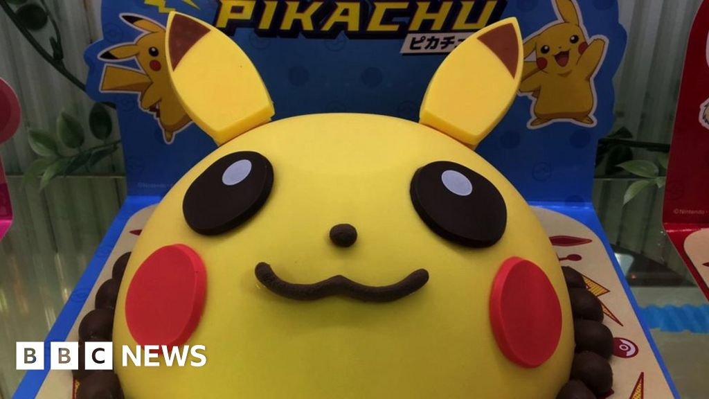 Pokemon 25th anniversary: How two superfans will celebrate - BBC News