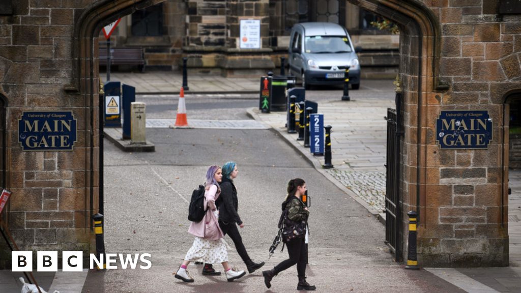 Covid In Scotland 172 Test Positive In Glasgow University Outbreak Bbc News