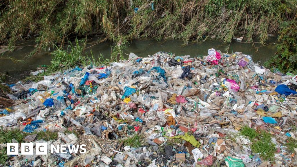 UK plastic waste being dumped and burned in Turkey  says Greenpeace