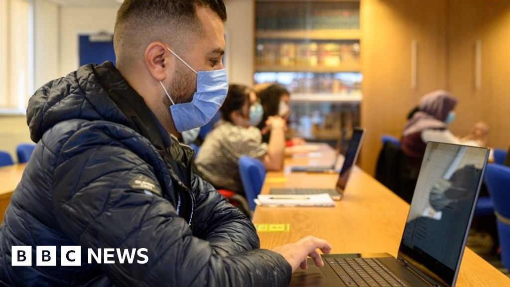 Covid vaccine not to be compulsory for university lectures