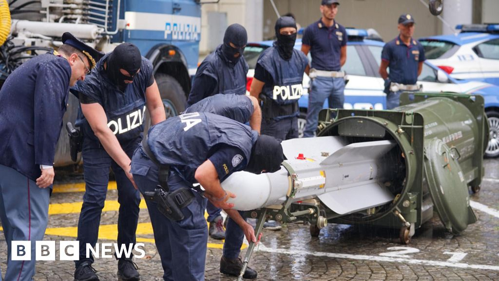 Italy seizes missile in raids on far right