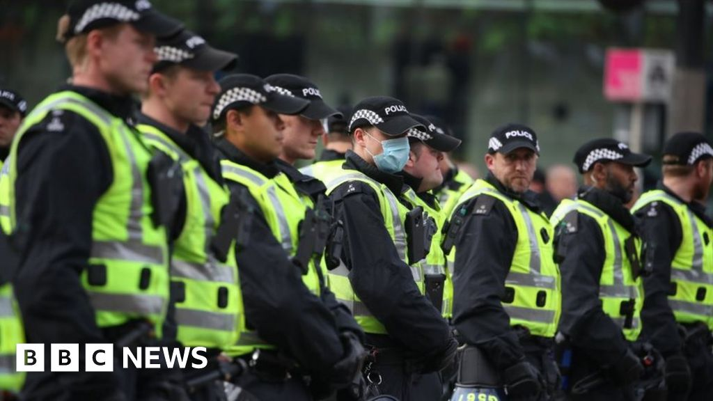 'Stay away' warning for Glasgow anti-racism rally thumbnail
