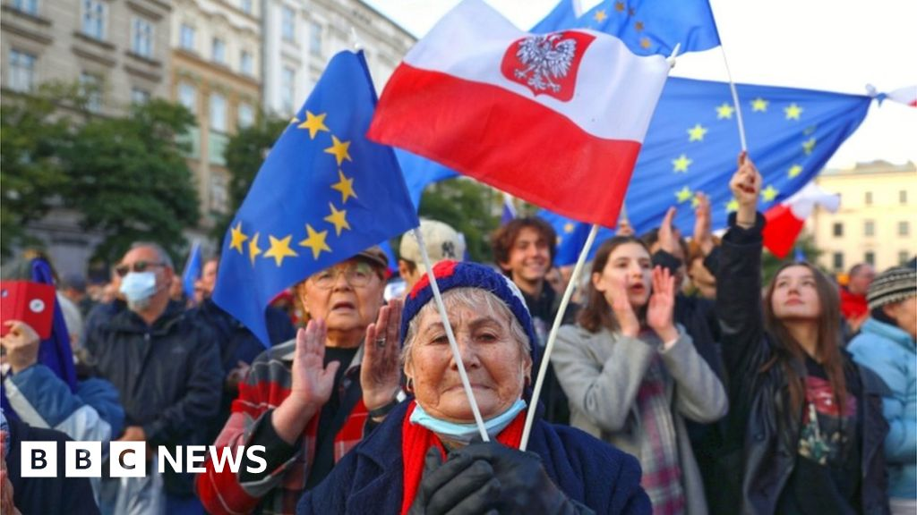 Poland told to pay €1m a day in legal row with EU