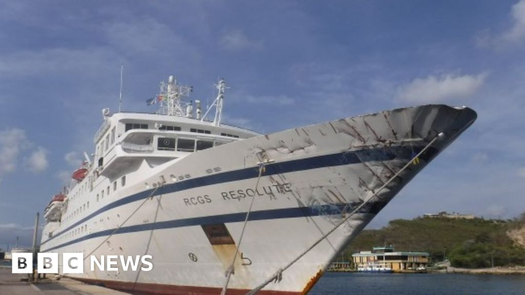 Venezuela navy vessel sinks after 'ramming cruise ship'