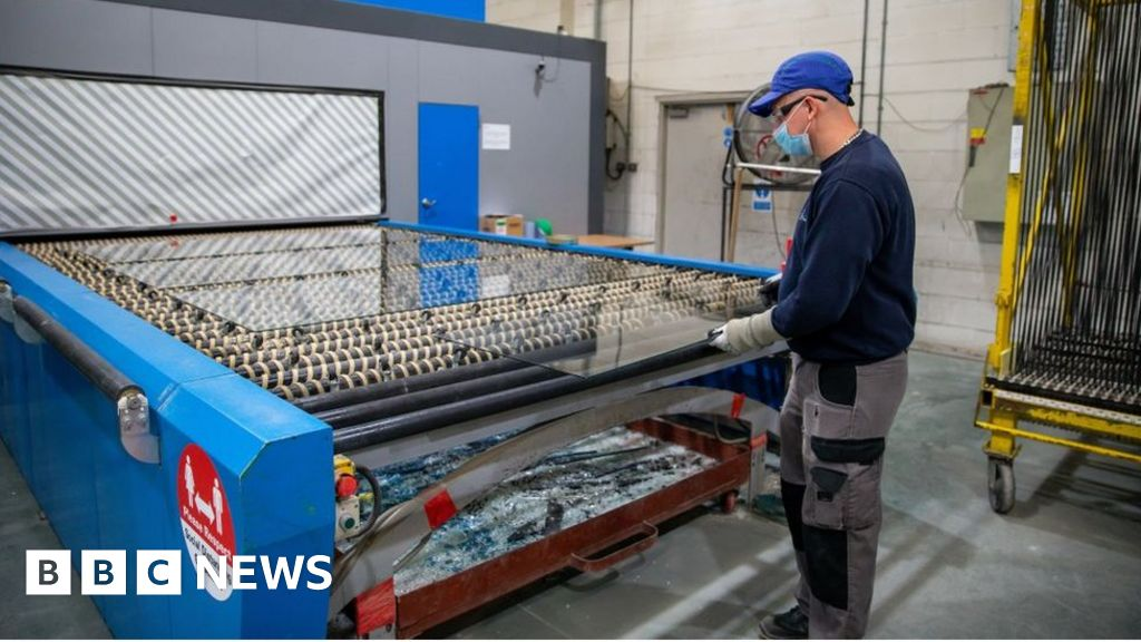 , Covid crisis could 'cut pay by £1,200 a year by 2025', Saubio Making Wealth
