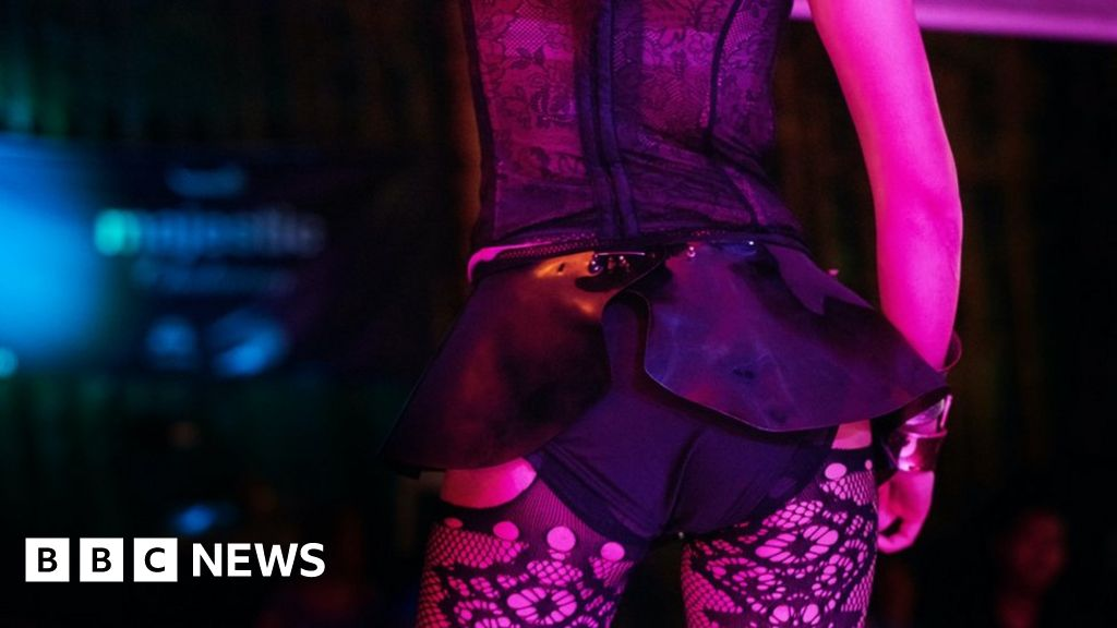 Coronavirus: Offline sex workers are forced to start again online