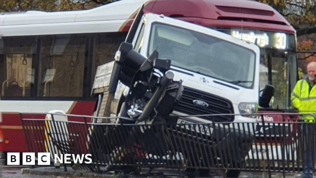 Bus and truck crash into traffic lights in Edinburgh
