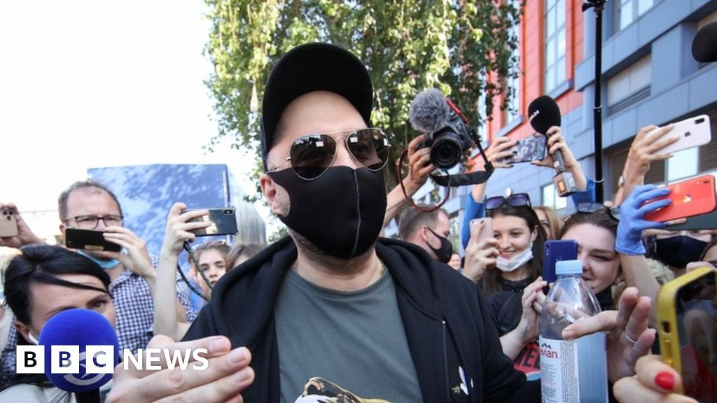 Kirill Serebrennikov: Russian movie and stage director convicted of fraud thumbnail