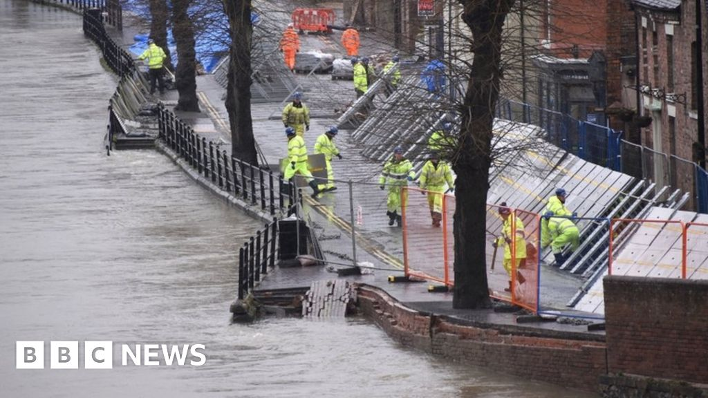 Flood barriers repaired before Storm Jorge arrival