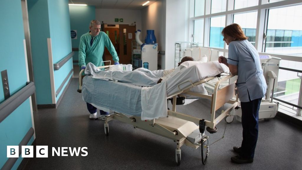 Hospital waiting times worsen again