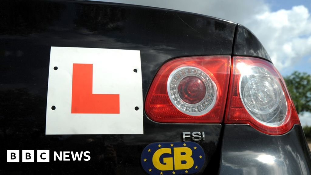 Coronavirus: Driving lessons to resume in England from 4 July thumbnail